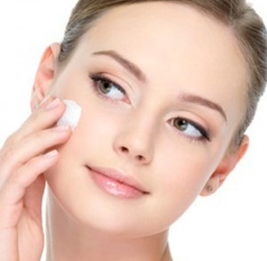 Peeling, médecine esthétique du visage par le docteur Eric Bouhanna